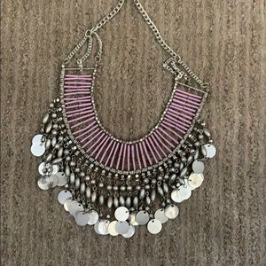 Jewelry - Fun and chunky necklace!